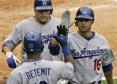ethier-capt. .dodgers_pirates_baseball_pagp122.jpg