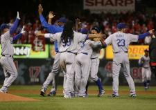 Dodgers teammates celebrate after sweeping the Cardinals in 2009.JPG